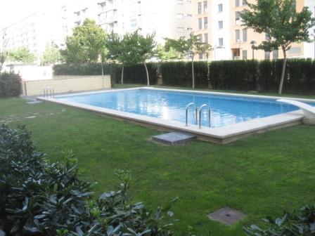 Reparaci n de desprendimiento de revestimiento de piscina for Colocar gresite piscina