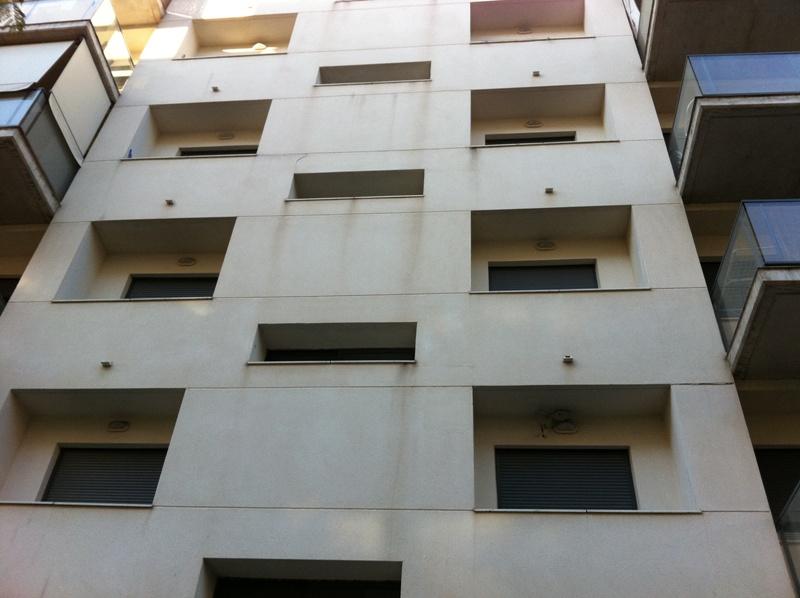 Manchas en laterales de ventanas por malos de Remates contra el agua | Arquitecto Técnico Paterna, Aparejador Paterna