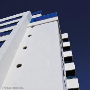 Edificio con aislamiento térmico SATE