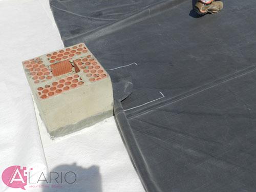 Impermeabilización de cubierta con lámina de EPDM. Refuerzo Salientes