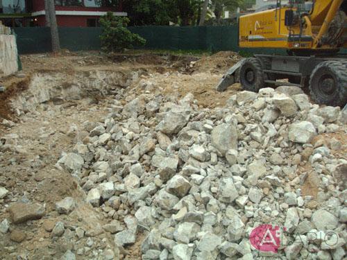 Construcción de Vivienda Unifamiliar Aislada. Excavación en Roca