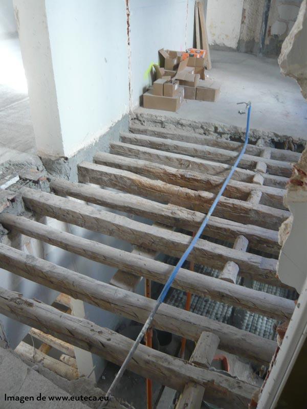Forjados de madera, descargar peso para refuerzo