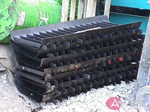 Ejecución de muros pantalla. Moldes para separadores de hormigón