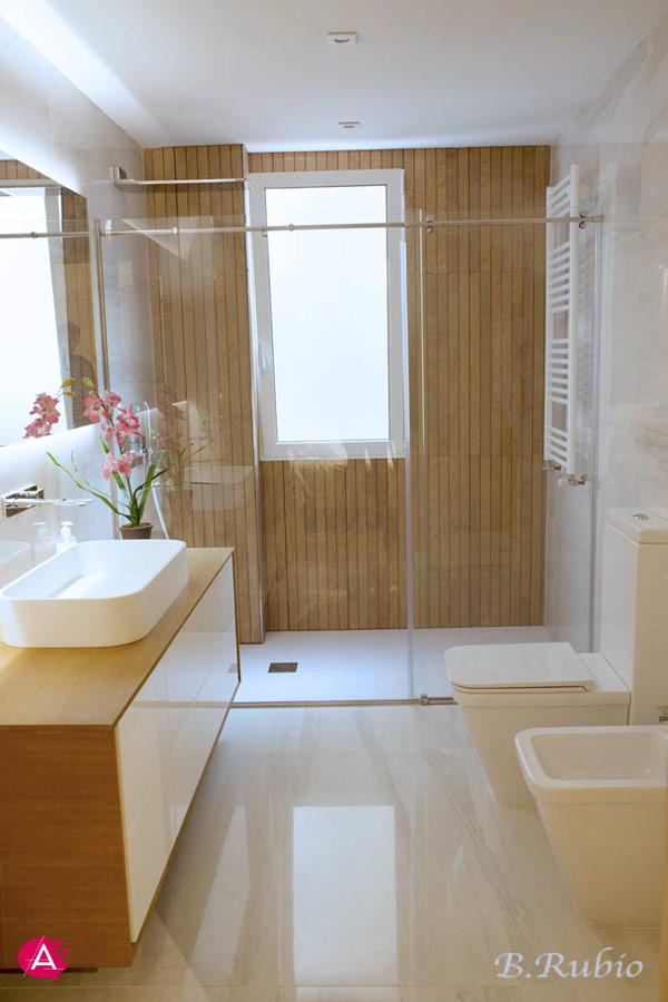 Reforma de vivienda en el centro de Valencia | baño terminado