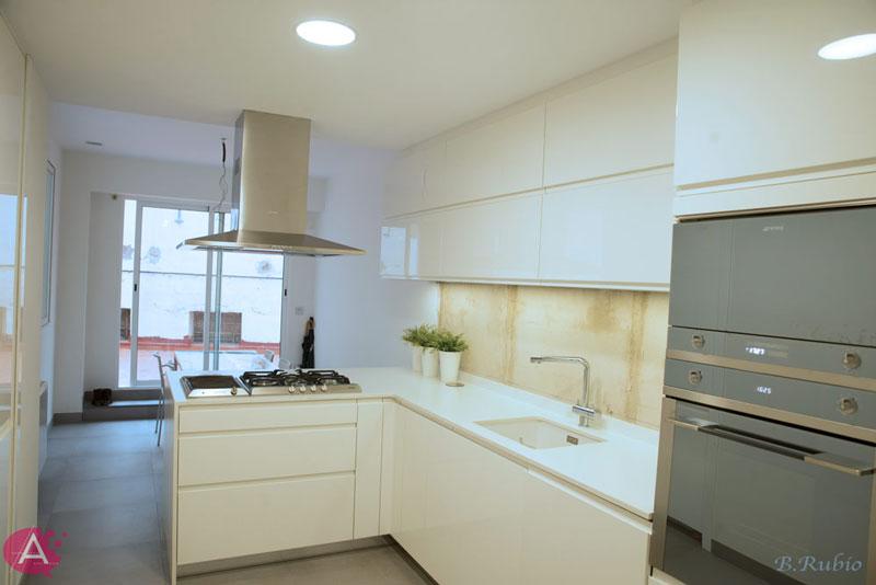 Reforma de vivienda en Valencia. Cocina terminada