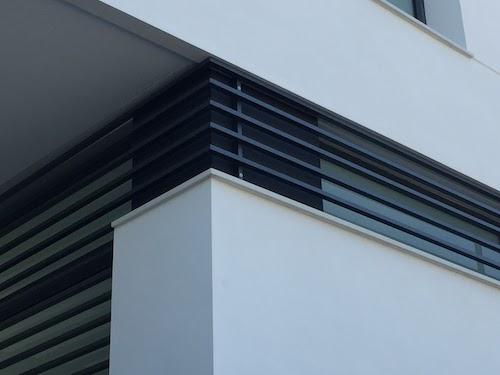 Vivienda unifamiliar en Picaña | detalle reja ventanas fachada
